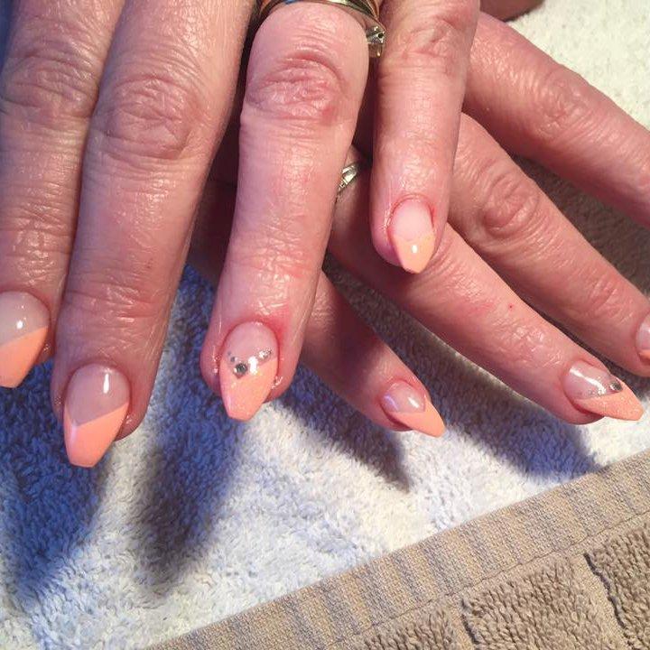Soins des ongles : Manucure | Belle en cils à Lodelinsart